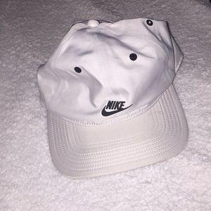 Brand New Nike Golf Hat
